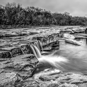 McKinney Falls BW by Robert Marquis - Black & White Landscapes ( waterfalls, park, nature, texas, parks, waterfall, black white, mckinney falls, landscapes, landscape )