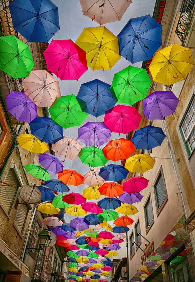 by Fátima Leão - City,  Street & Park  Street Scenes