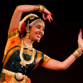 Bharatnatyam - Indian Dancer decking up by Amitabh Mukherjee - People Musicians & Entertainers ( shringar, beautiful, beauty, girl, classical, mudra, south, saree, india, sari, bharatnatyam, dance, posture )