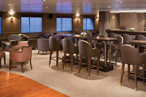 Panorama_Lounge_3 - The Panorama Lounge on Silver Explorer is the best place to enjoy uninterrupted views of the scenery from the comfort of the ship's interiors. Enjoy complimentary drinks with friends and listen to the pianist.