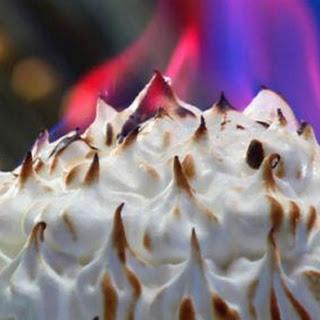 Chocolate-cherries Alaska Bomb