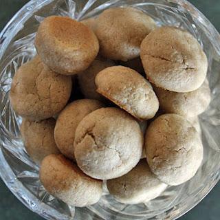 Simple Almond-Oat Cookies