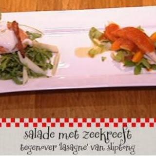 Salade Met Kreeft Tegenover Lasagne Van Sliptong