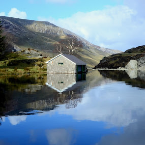 calm lakes at Ogwen by Marie Leather - Landscapes Waterscapes