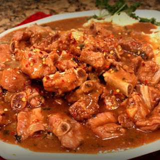 Riblets in Beef Sauce.