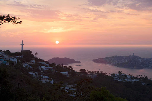 A pink sunset in Acapulco.