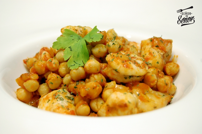 Garbanzos Sprinkled with Monkfish and Shrimp Recipe