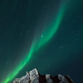 Northern Lights & Shooting Stars by Sigurður Brynjarsson - Landscapes Starscapes ( bright, aurora, star, shine, rock, frozen, landscape, nightscape, lights, northern, iceland, sky, borealis, cold, ice, snow, night, light, starscape, formation, shooting )