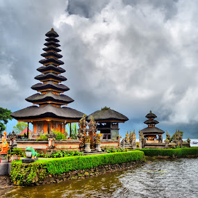 Ulun Danu Temple by Curly Yanni - Buildings & Architecture Other Exteriors ( temple, bali, pura, danu, ulun,  )