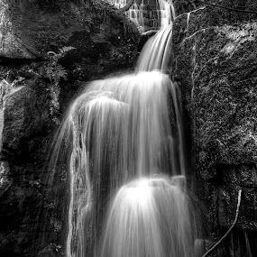 lumsdale falls prop ..B&W by Ray Heath - Black & White Landscapes ( uk, waterfalls, b&w, lumsdale falls, autumn, matlock, derbyshire,  )