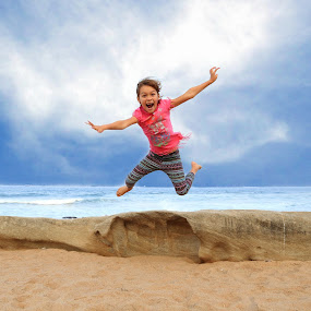 Leap of Faith by Marc Anderson - Babies & Children Children Candids ( umhlanga, south africa, alexa, marc anderson,  )