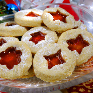 Low-Carb Linzer Cookies for Christmas.