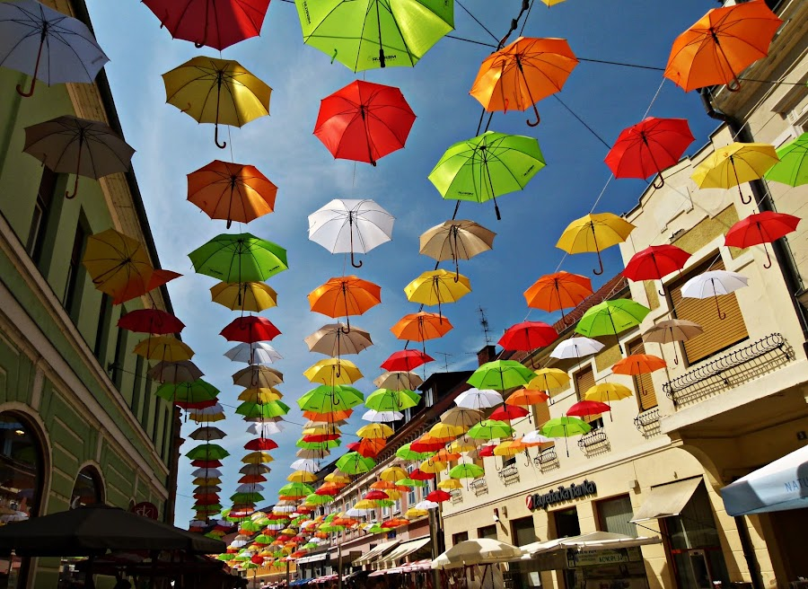 by Zdenka Mihinjač - City,  Street & Park  Street Scenes