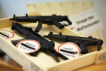 Gewehre in Kiste.jpg