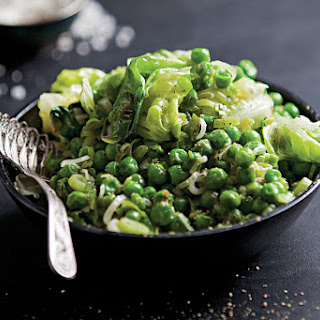 Fresh Peas With Lettuce and Green Garlic