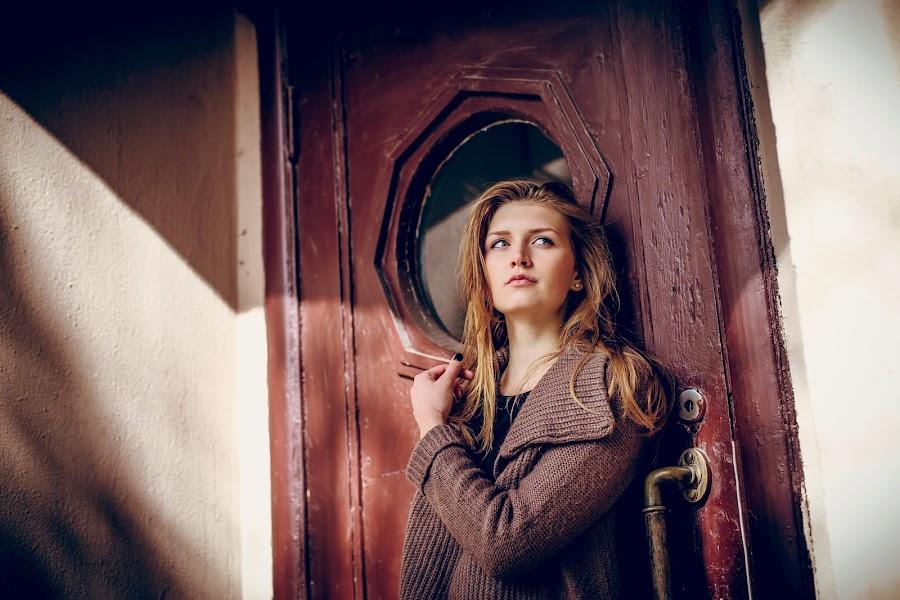 Dasha by Oleg Nagel - People Portraits of Women ( glamour, model, fashion, girl, style, female, woman, outdoor, portrait )