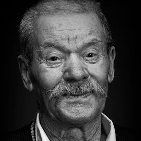 the grandfather by Ionel Covariuc - People Portraits of Men ( picture, old men, grandfather, portrait )