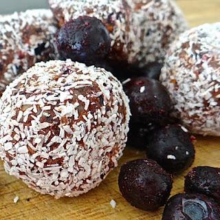 Blueberry Choc-Protein Balls.