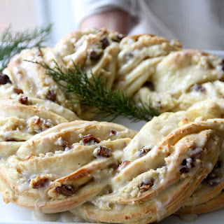 Holiday Breakfast Wreath with Cranberry-Almond Filling