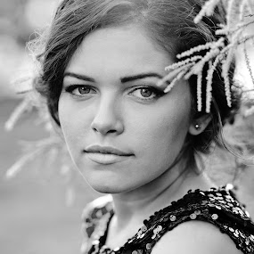 Axenia by Ciprian Alin - People Portraits of Women ( canon, alinciprian, 5dmarkii, portrait, axenia, woman, b&w, person )