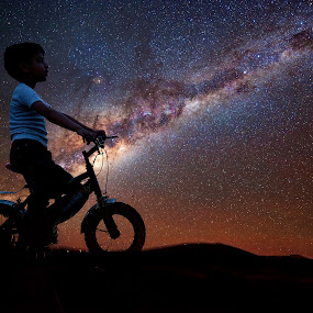 Finding E.T ! by Agha Ahmed - Babies & Children Children Candids ( e.t, bike, stars, innocence, stargazer, childhood, space, boyhood, bicycle, skyscape, milky way,  )