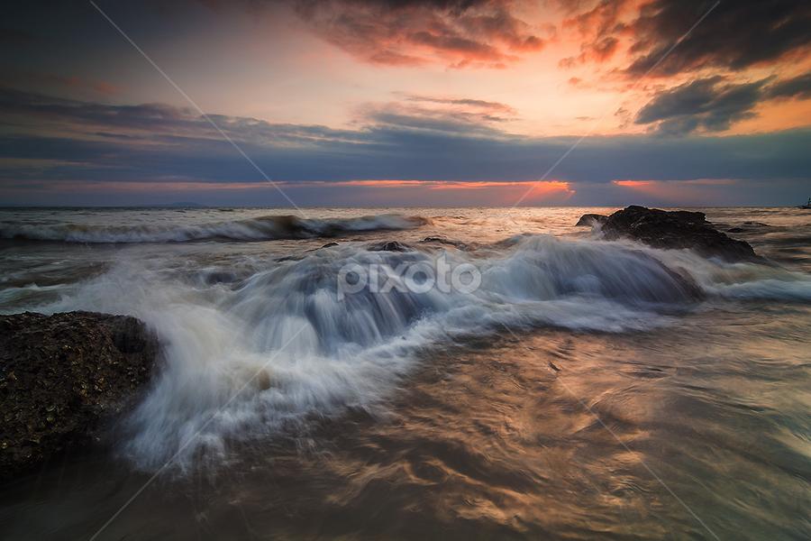 The dancing waves by Budi Astawa - Landscapes Waterscapes ( water, bali, cupel, waves, jembrana, negara )