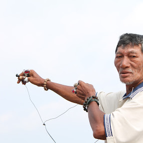 Crazy Men by Shafiq Azli - People Portraits of Men ( seberang takir, market, crazy, men, city )