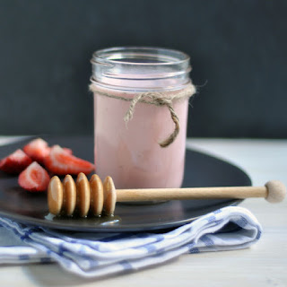Strawberry-Ginger Kefir Shake Recipe