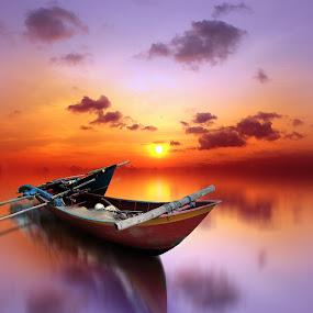 senja ungu by Indra Prihantoro - Transportation Boats ( sunset, boats, boat )