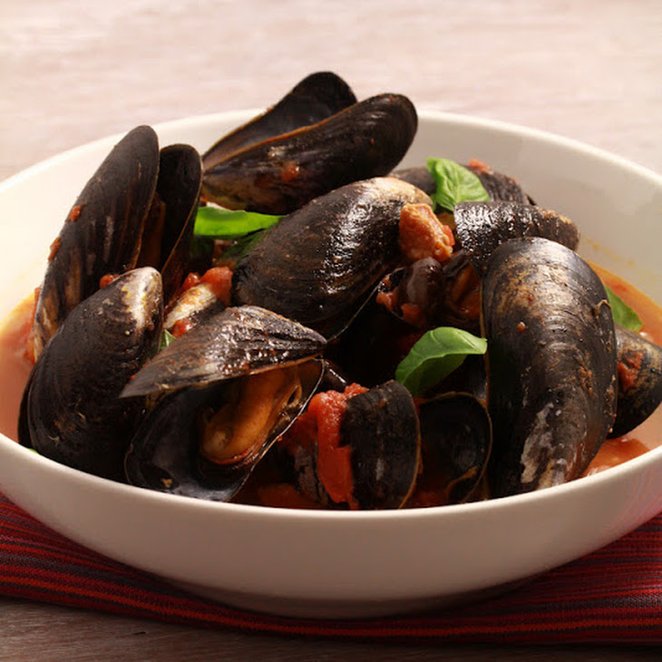 Tomato and Chorizo Flavored Mussels Recipe