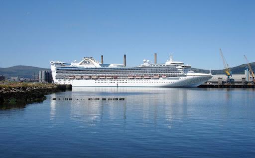 Golden-Princess-Belfast-Northern-Ireland - Golden Princess docked at Belfast Harbor, Northern Ireland.