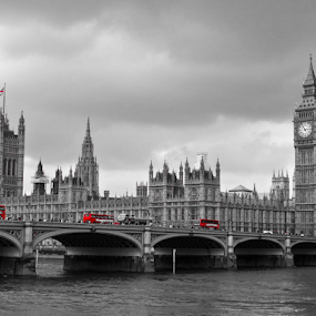 London by Nesrine el Khatib - Buildings & Architecture Statues & Monuments ( pwc, selective color )