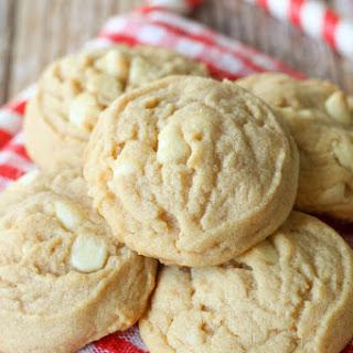 White Chocolate Cinnamon Roll Cookies