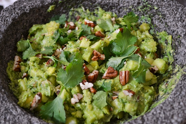 Guacamole with Apple and Mezcal Recipe