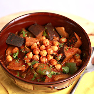Tabbakh Rohoo (Eggplant Curry with Chickpeas)
