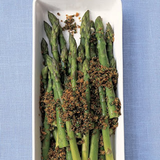 Boiled Asparagus with Parsleyed Breadcrumbs.