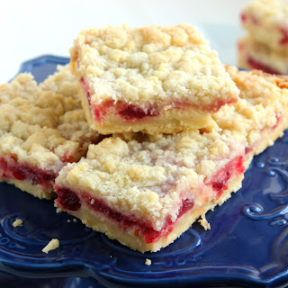 Cranberry Cream Cheese Streusel Bars