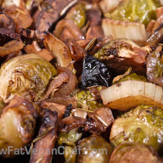 (Fat Free Vegan) Roasted Brussel Sprouts With Fennel and Portobello Mushrooms.