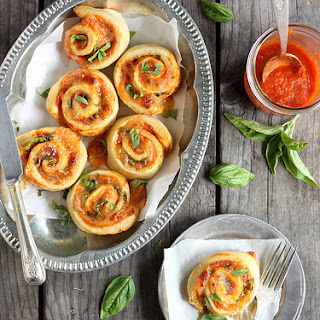 Margherita Pizza Wheels (with Tomato, Basil, and Mozzarella)