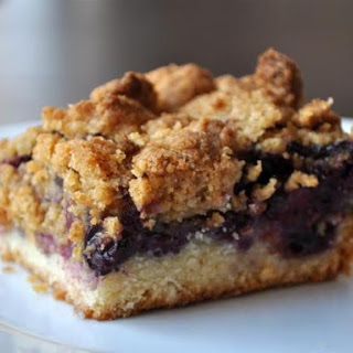 Golden and Crisp Blueberry Crumble Bars