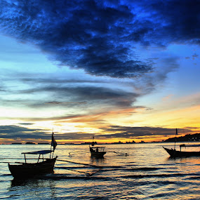 boats waiting sunset by Fajar Vandra - Landscapes Sunsets & Sunrises