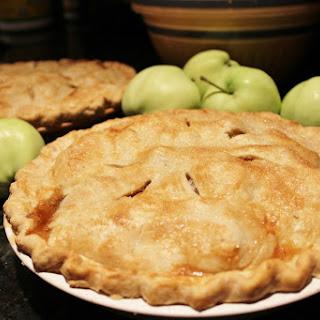 Caramel Apple Pie with a Coconut Oil Crust
