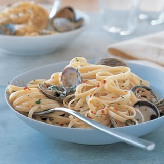 Quick Linguine with Clams