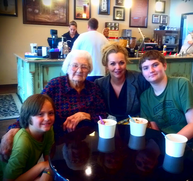 Berriliscous & Cafe Veranda celebrating Great Grandmother's 91st b'day!