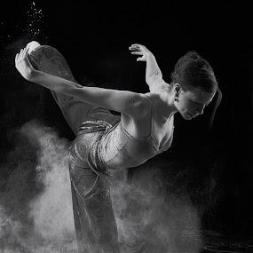 swan by Earl Wyant - Black & White Portraits & People