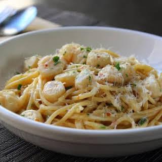 Creamy Bay Scallop Spaghetti – An Almost Perfect Post-Holidays Pasta.