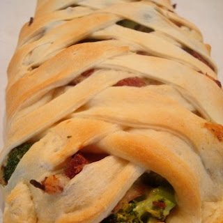Cheesy Ham and Broccoli Crescent Braid