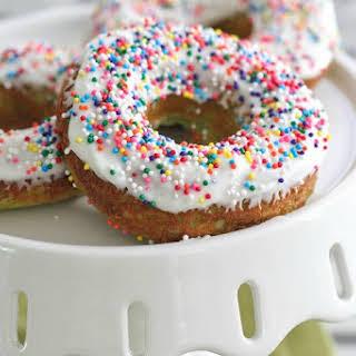 Green Velvet Baked Sprinkle Donuts.