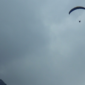 Flying high! by Akshit Arora - Sports & Fitness Other Sports ( adventure, paragliding, himalaya, sports, manali )