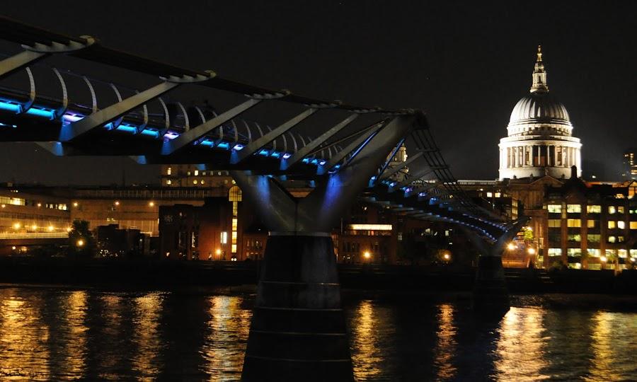 Bridge to Salvation by DJ Cockburn - Buildings & Architecture Bridges & Suspended Structures ( lights, thames, london, millennium bridge, night, st paul's cathedral,  )